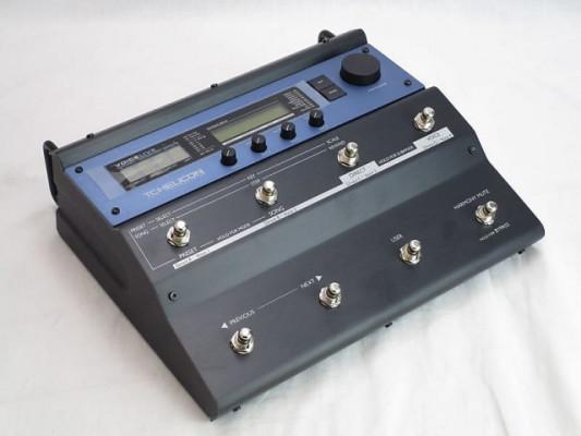 Procesador de voces y armonía helicon tc voicelive