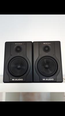 2 monitores de estudio M-Audio Bx5a deluxe