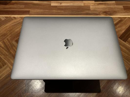 "MacBook Pro 15"" TouchBar 2016"