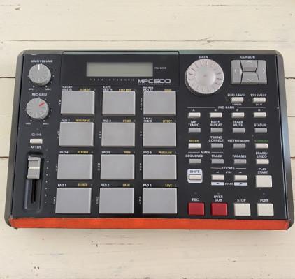 Akai mpc500 sampler y sequenciador