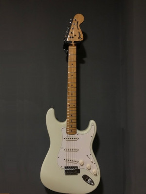RESERVADA!GRECO SUPERSOUND STRATOCASTER '77 - nitrocelulosa JAPAN