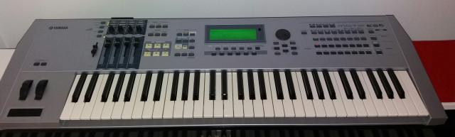 Vendo/cambio Yamaha motif es6