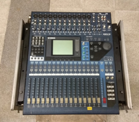 Mesa Yamaha 01v96 + Previo 8 ch + 2 Cases