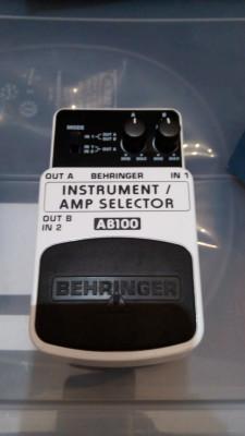 Conmutador Behringer AB100