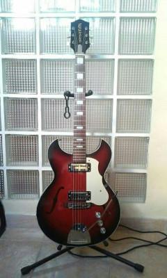Guitarra electrica de caja Eggmond años 60