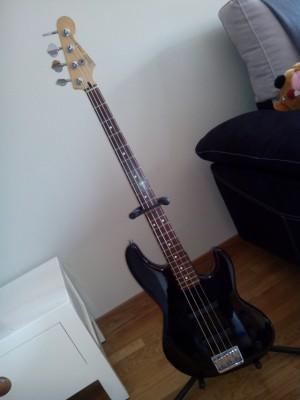 Vendo o cambio/Bajo Fender Jazz Bass Plus(USA)
