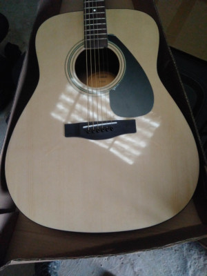 Yamaha f310 guitarra acústica, envío incluido