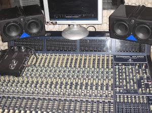 mesa de mezclas behringer MX9000