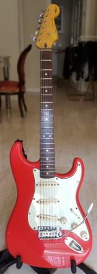 Squier Simon Neil Stratocaster Modificada