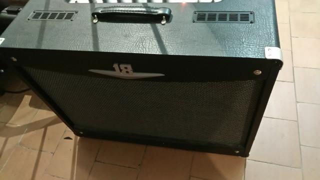 Amplificador Crate  V18 212 a valvulas