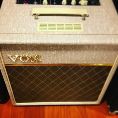 Vox Ac4hw1 por Princeton Reverb 65/68 , tb Vendo