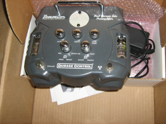 pedal demonizer distorcionador con dos valvulas