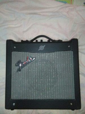Vendo Guitarra Eléctrica Yamaha Pacifica ZURDO y Amplificador