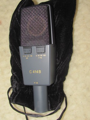AKG C414 B p48 XLII, año 2004