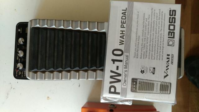 Dos pedales: Distorsión, Ds 1y wah PW10 boss