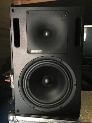 Genelec 1032A Bi-Amplified Monitor