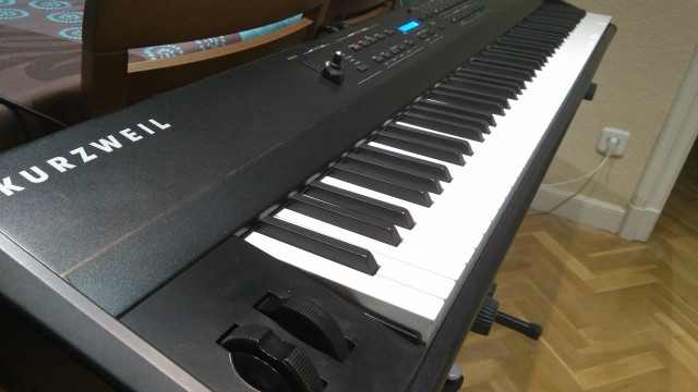Stage piano 88 teclas Kurzweil SP 4-8 + funda transportadora