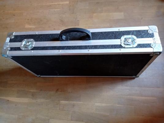 FLIGHT CASE para pedaleras, teclado 83x42cm (medidas internas)