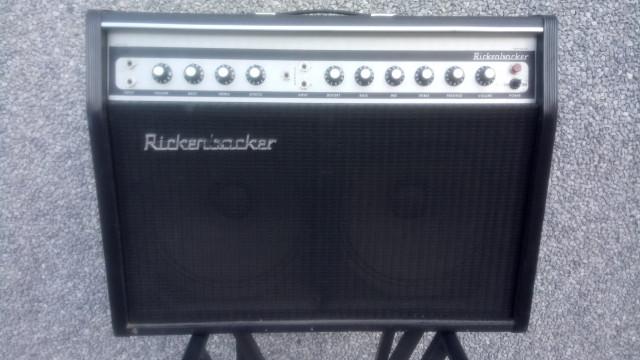 Amplificador Rickenbacker TR100