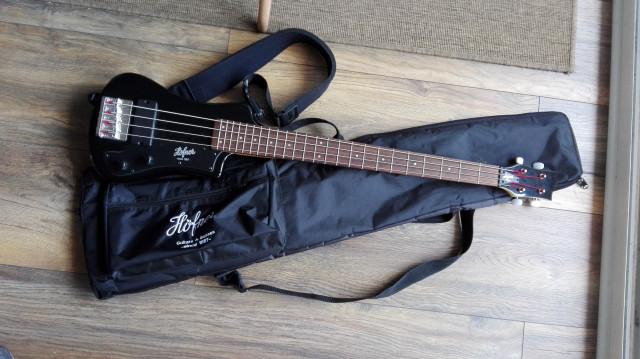Hofner shorty bass
