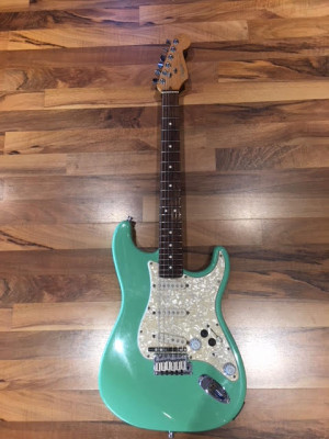 Fender Stratocaster midi