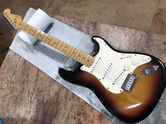 -Fender Am Standard Stratocaster.Sunburst.usa .90s