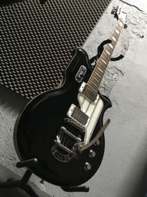 Eastwood Airline Map DLX BK gitarra eléctrica