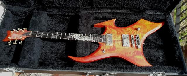 "CAMBIO Guitarra Dragon Slayer Netherworld   26"" GIBSON LUTHIER Made in USA --"