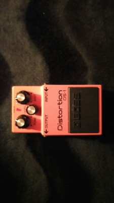 pedal  DISTORSION BOSS DS-1