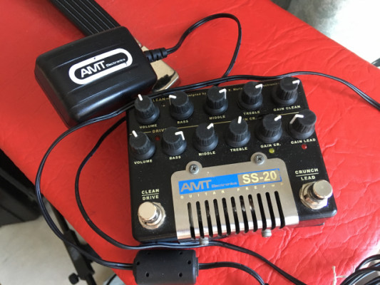 AMT Electronics SS-20 Previo de guitarra