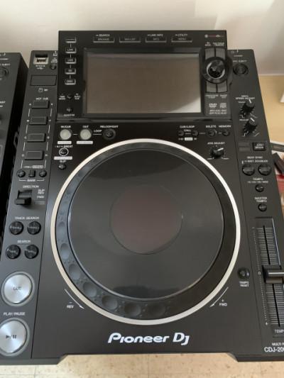 2 X Pioneer cdj 2000 nexus 2