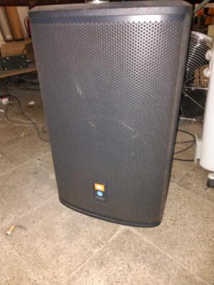Monitor autoamplificado JBL Prx512m