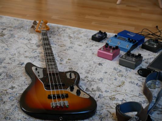 Fender Jaguar Bass (MIJ) + Estuche rígido Fender