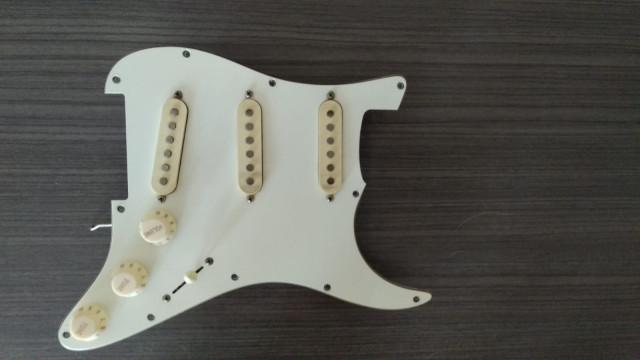 GOLPEADOR Stratocaster Completo
