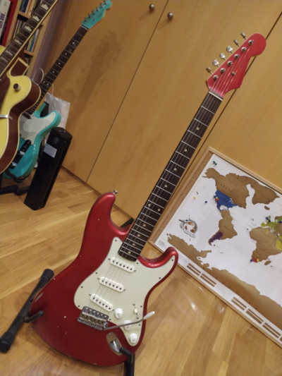 Guitarra Nash S-63 matched headstock, del 2011, con pastis Lollar