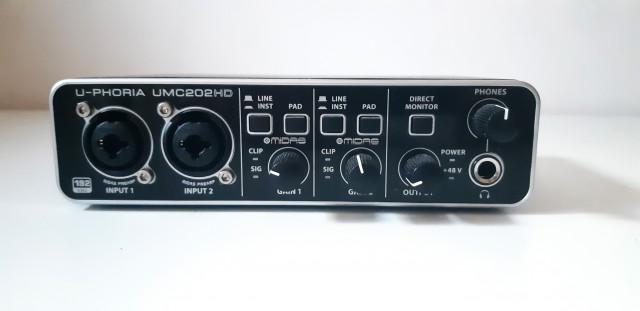 Tarjeta de sonido Behringer U-PHORIA UMC202HD