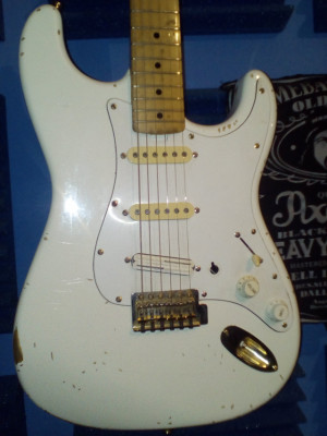 Squier by fender strato made in japan 1993