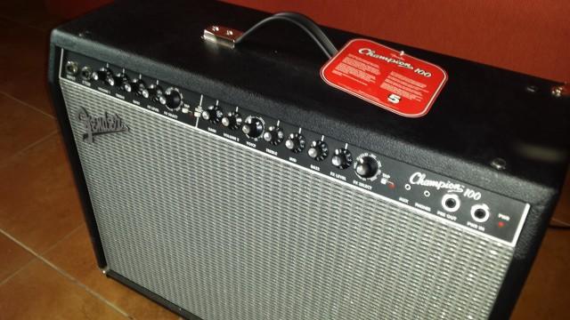 Amplificador Fender Champion