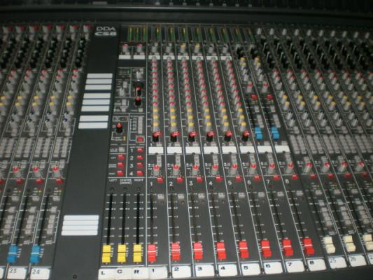 Mesa DDA-CS8, Grabadora digital Alesis HD-24 y 2 monitores Samson Rubicon R6a