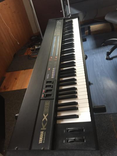 KX88 Midi Master Keyboard Yamaha 88 teclas