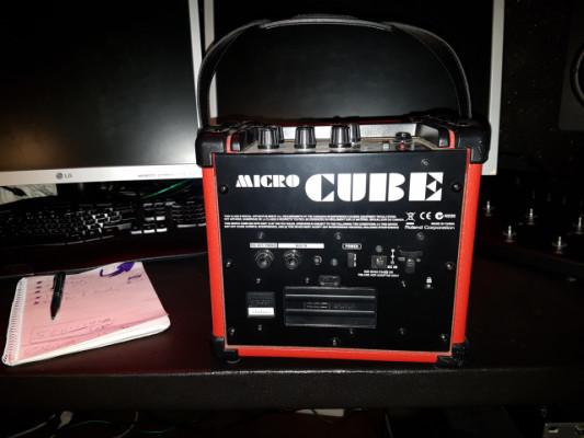 Roland Micro Cube rojo