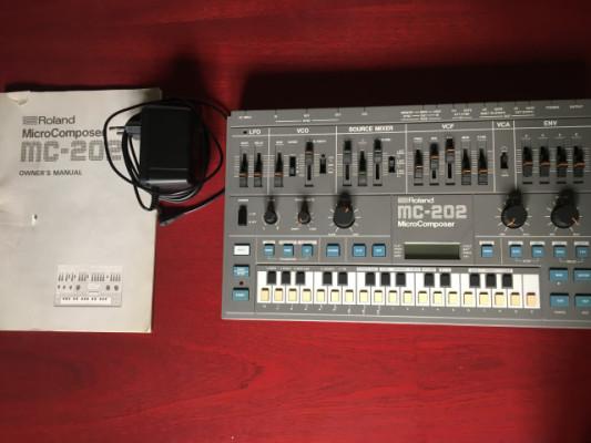 Roland MC 202