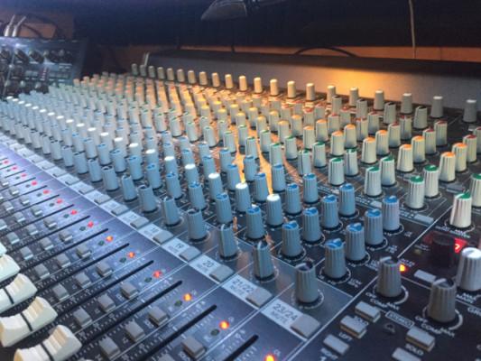 Mixer Mackie 2404-VLZ3