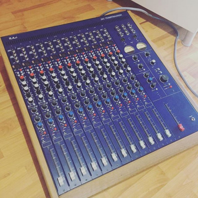 TL Audio M1  Tubetracker 12 ch + tarjeta digital