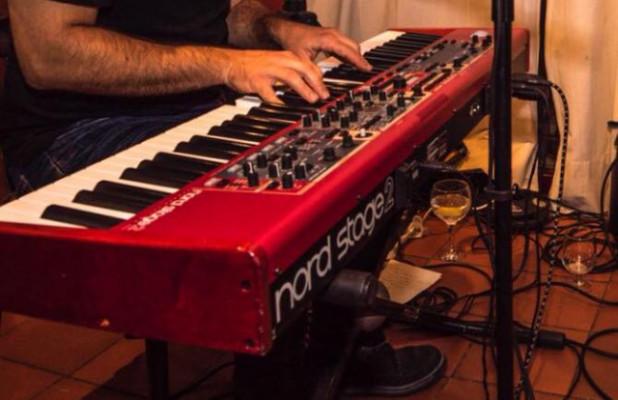 CLAVIA NORD STAGE 2 HA76 . PIANO DE ESCENARIO