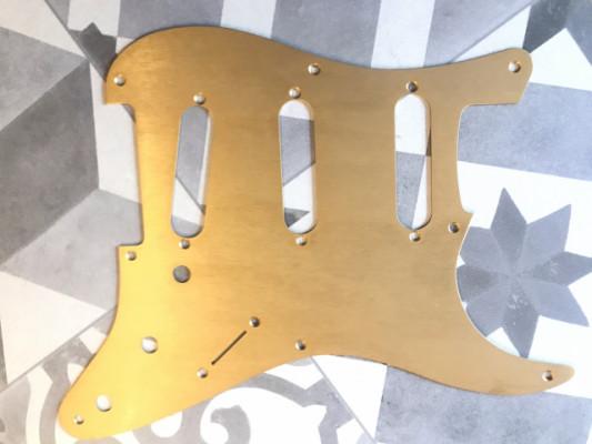 Fender Pickguard SSS Gold anodized