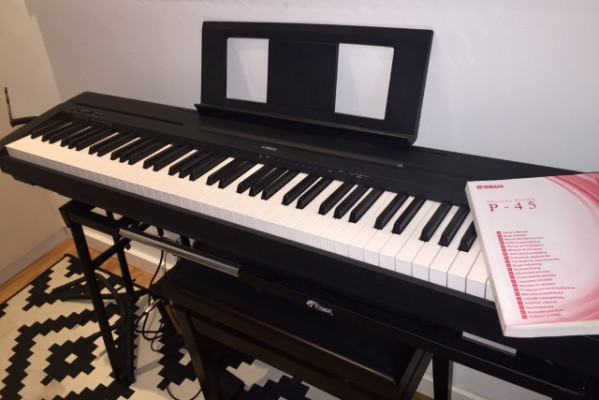 Piano Digital Yamaha P-45B