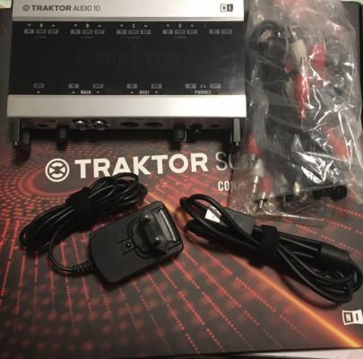 Traktor Audio 10 (Usado 3 Veces)