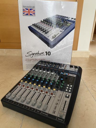 Soundcraft Signature 10