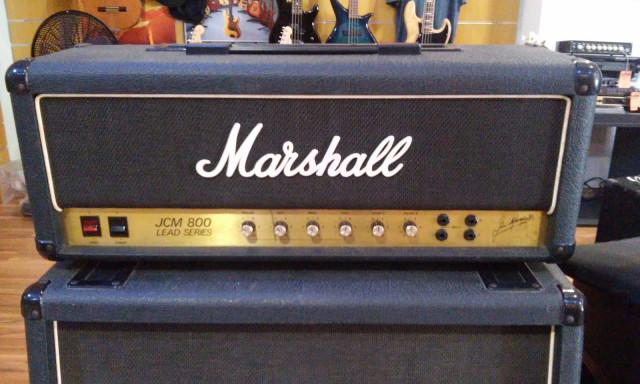MARSHALL JCM 800 100W